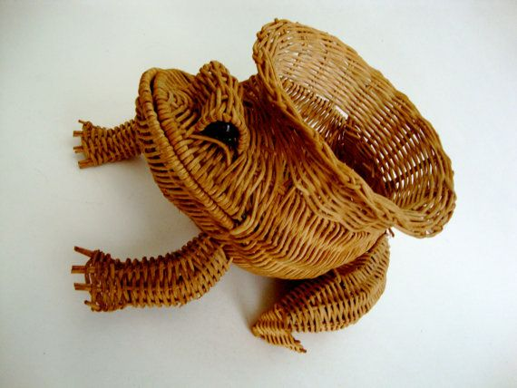 Vintage Frog Basket with marbles for eyes Woven Wicker
