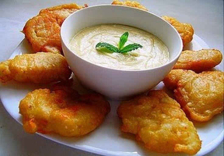 Το φαγητό σύμβολο της 25ης Μαρτίου. Ο μπακαλιάρος σκορδαλιά τρώγεται ευχάριστα από όλους και είναι από τα πιο αγαπημένα και πιο παραδοσιακά ελληνικά πιάτα!