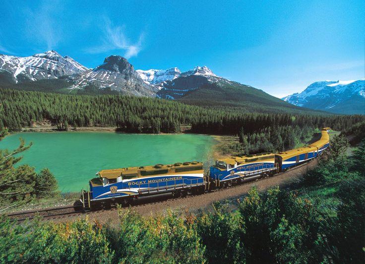 20 VIAGENS DE TREM PARA FAZER PELO MENOS UMA VEZ NA VIDA. 1. Rocky Mountaineer Imagina viajar de trem por dois dias em meio às montanhas rochosas do Canadá? A partir de Vancouver ou Seattle sentido Calgary, Jasper ou Halifax, é possível percorrer um caminho ferroviário repleto de paisagens impressionantes.