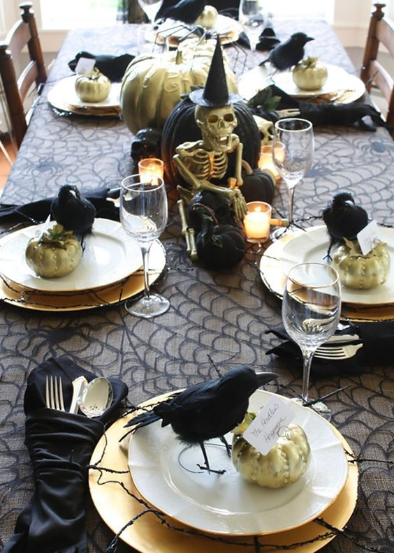 10 halloween tablescapes for a fabulous frightening feast - Halloween Place Settings