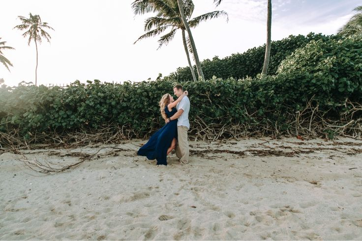 Oahu Hawai'i Couple Session. Waialae Beach Park. Chyna Grant Photography