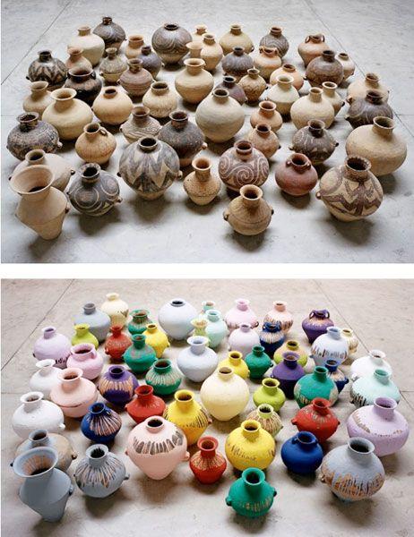 Ai Weiwei, Jarrones coloreados, 2006. Jarrones neolíticos (5000-3000 a.C.) y pintura industrial | Libro digital Ai Weiwei. Editorial Gustavo Gili #arte #artista #entrevistas #ceramica #pintura