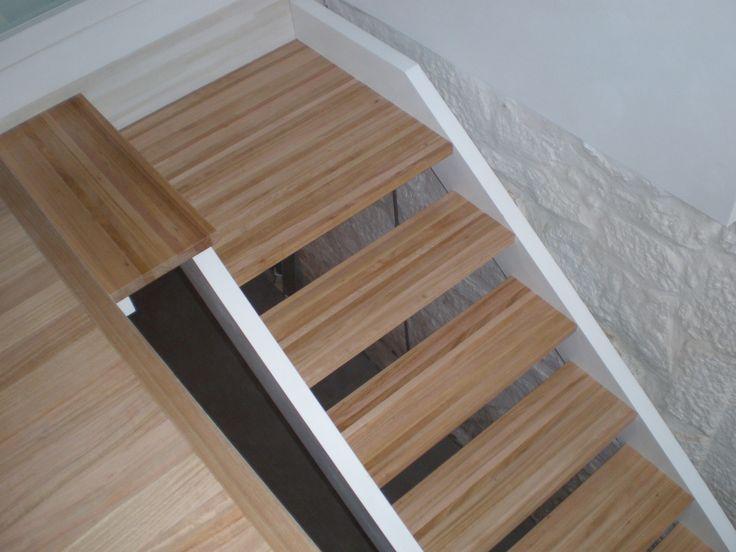 Escaleras de madera.