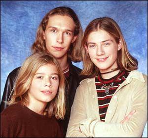 """Hanson est un groupe pop rock américain composé de trois frères : Clarke Isaac """"Ike"""" (né le 17 novembre 1980), Jordan Taylor (né le 14 mars 1983) et Zachary Walker """"Zac"""" Hanson (né le 22 octobre 19..."""