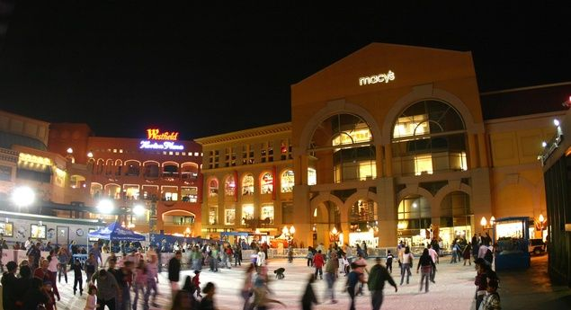 Take a spin around the Horton Plaza Ice Rink with this San Diego hotel package. (From: San Diego, Ice Skating Package, From $139 a Night)