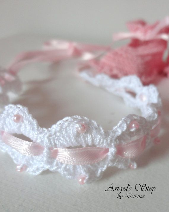 This lovely handmade crochet headband is a great addition to any baby girl's wardrobe. The hairband is made with baby soft yarn. The shells have attached cute pearls. by angelsstepbydaiana, $8.00