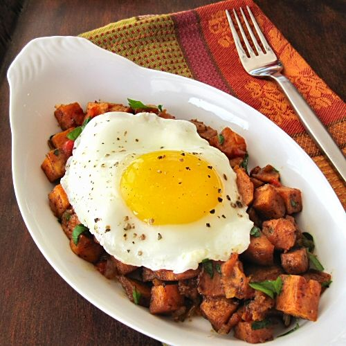 Even if you think sweet potatoes are too sweet for you, you'll change your mind with this healthy and savory rendition of breakfast  hash.