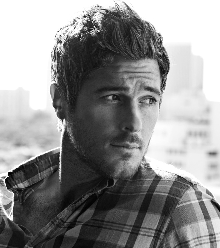 Dave Annable: I have not heard of you but  you're cute