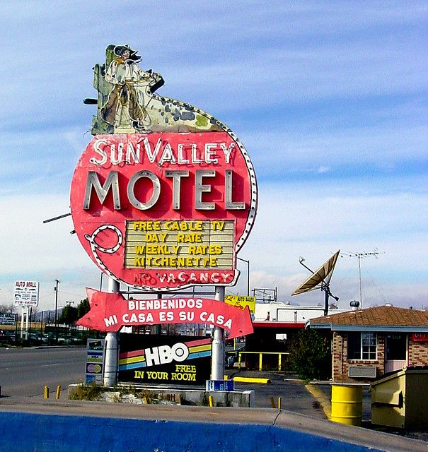83 Best Images About El Paso Texas On Pinterest: 1033 Best Cheesy Motel Signs Images On Pinterest