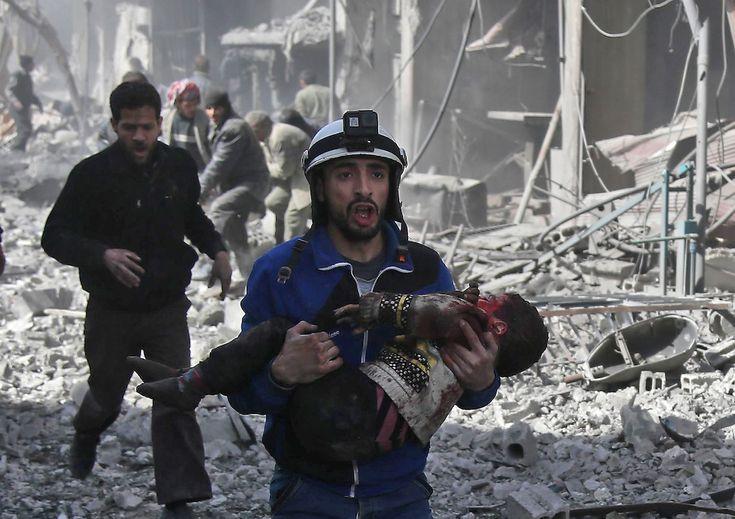 """IL MASSACRO DI #GHOUTA! """"Dev'essere chiaro che la responsabilità dell'inazione nel conflitto siriano è dell'ONU politica - Consiglio di Sicurezza, cioè gli Stati - e non dell'ONU umanitaria, che fa pienamente il proprio dovere"""". Andrea Iacomini portavoce #UNICEF www.helpeople.it  #UN #STOPWAR #SYRIA #ChildrenUnderAttack #stopbombingcivilians #guerra #war #peace"""