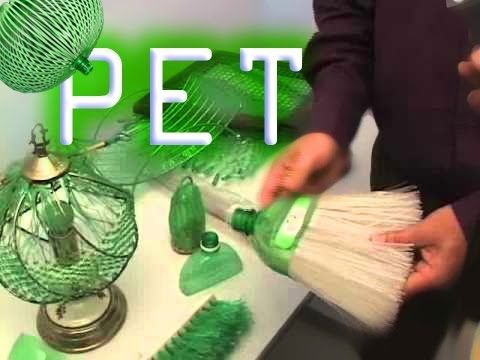 Reportagem feita por Juarez Ferreira com uma artesã que recicla garrafas Pet, em Campo Limpo Paulista. Ela foi personagem de uma entrevista no programa Mais ...