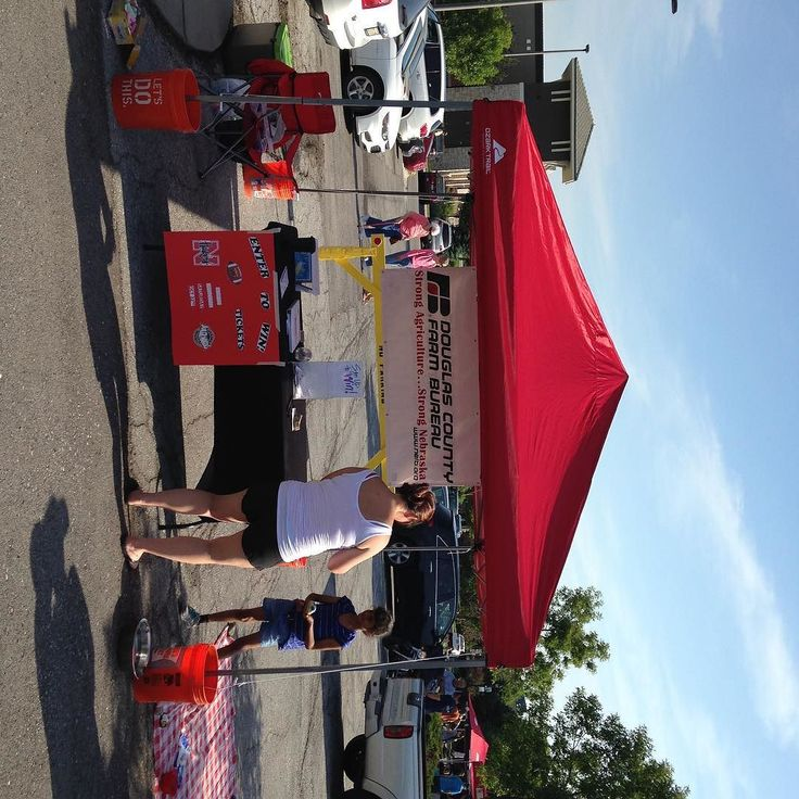 At village pointe farmers market! Husker football ticket giveaway! Sign up for tickets and come paint a minion! #huskerfootball #villagepointeomaha #theberglundagency https://www.instagram.com/p/BGhFDokkzAz/ via www.facebook.com/TravisBerglundAgency