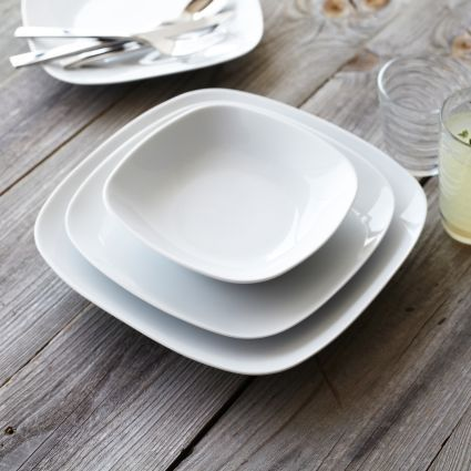 Modern 16-Piece Dinnerware Set | Sur La Table