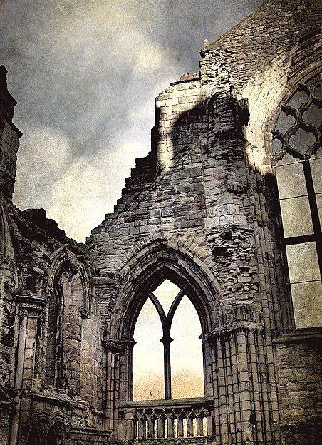 Ruins of Holyrood Abbey in Edinburgh, Scotland (via MissClaire)