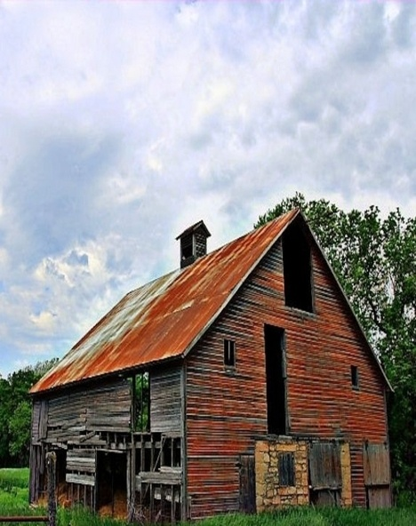 Rusted Roof, Fading Barn