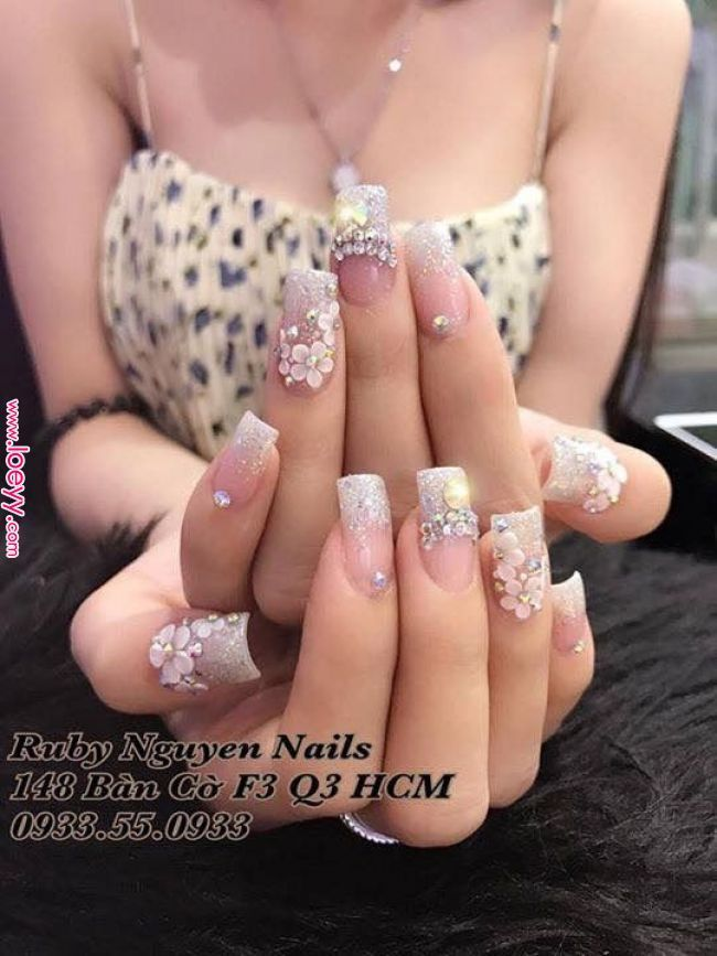 Parce qu'un ami rencontre beaucoup | Jhoa en 2019 | Ongles en acrylique, ongles de mariage, ongles …  …   – Nagelideen