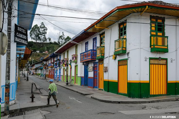 Colorful little town in Colombia  #josafatdelatoba #cabophotographer #travels #Colombia #streetphotography #salento