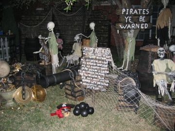 pirates ye be warned - Pirate Halloween Decorations