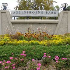 I so dig Assiniboine Park, 2nd largest park in North America!