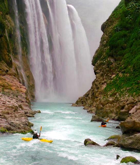 Kayaking in Rio Alseseca, Veracruz #kayak #kayaking #kayaker