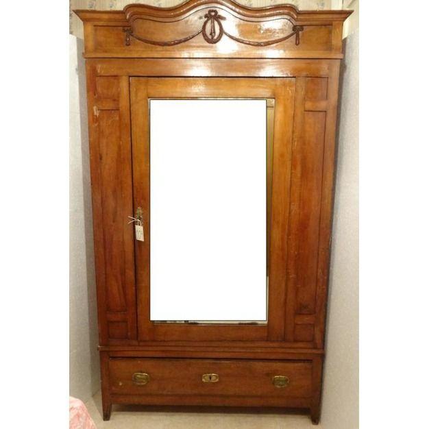 Armario ropero con espejo madera ensamblada y barnizada for Roperos antiguos restaurados
