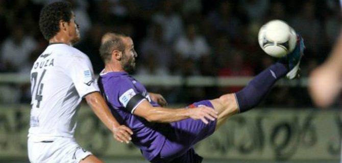 Σαλπιγγίδης: «Ακύρωσε καθαρό γκολ»   Εξήγηση στην ακύρωση του γκολ του Φωτάκη έψαχνε και μετά το τέλος του αγώνα, ο Δημήτρης Σαλπιγγίδης. «Κανείς δεν έχει καταλάβει γιατί το ακύρωσε ο διαιτητής.   ΠΑΟΚ