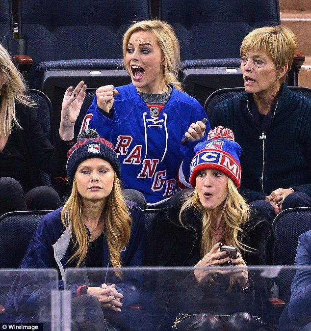 For the love of ice: celebrity hockey fans - MSN