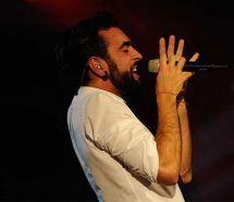 MARCO MENGONI - SPARI NEL DESERTO (RADIOITALIALIVE 2013 6^STAGIONE)
