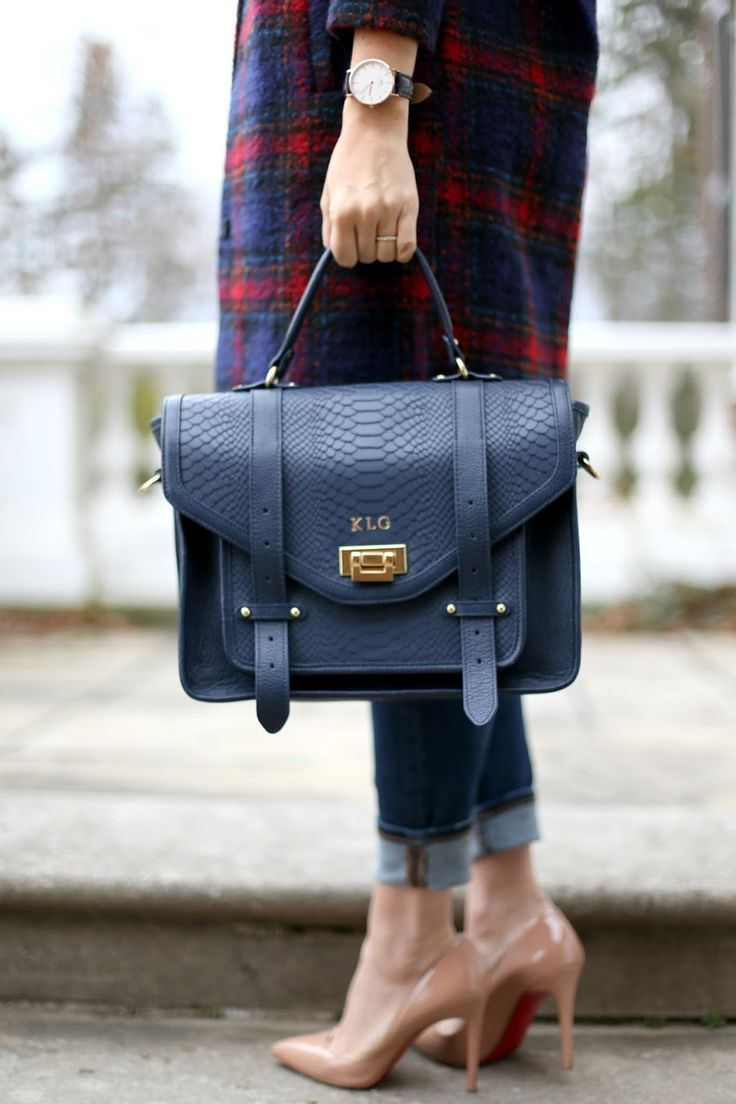 GiGi New York | Navy Hayden Satchel | Suburban Faux-Pas Fashion Blog