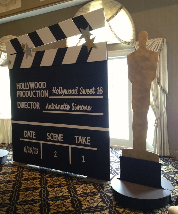 Hollywood Clap Board and Oscar