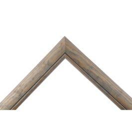 Arch Greyär en betsad grå ram med genomträngande synlig ådring för ett rustikt och levande utseende.Arch Grey passar överallt där man vill ha grå eller antikgrå ramar i egna önskade mått och storlekar. Ramen fungerar mycket bra till de flesta motiv och bilder som man vill rama in. Bredd: 29 mm. Höjd: 19 mm. Falsdjup: 13 mm.