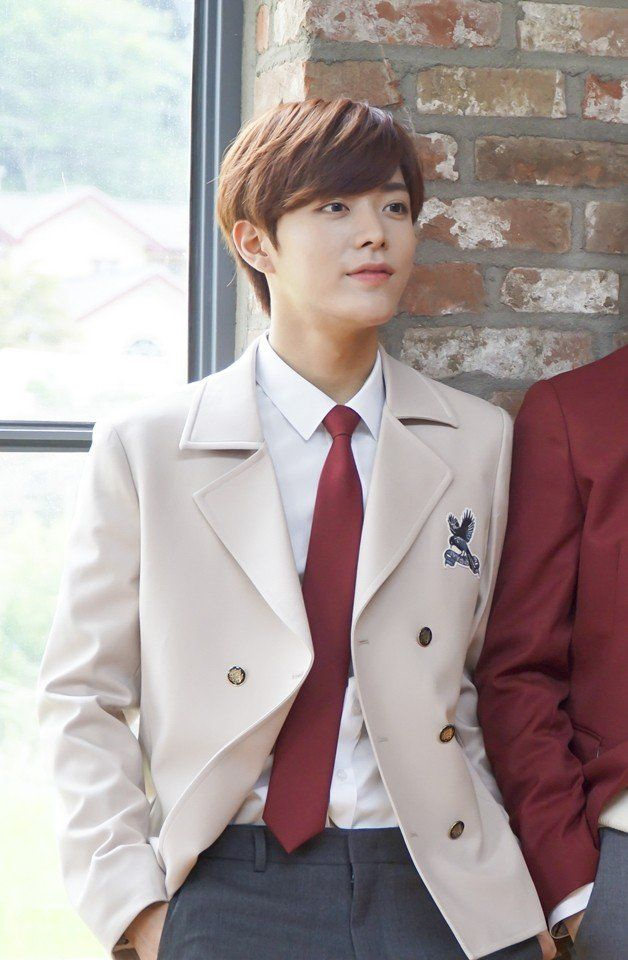 Go behind the scenes with NCT for their 'Ivy Club' photo shoot! The boys revealed the below, super cute behind cuts of their pictorial for the uniform…