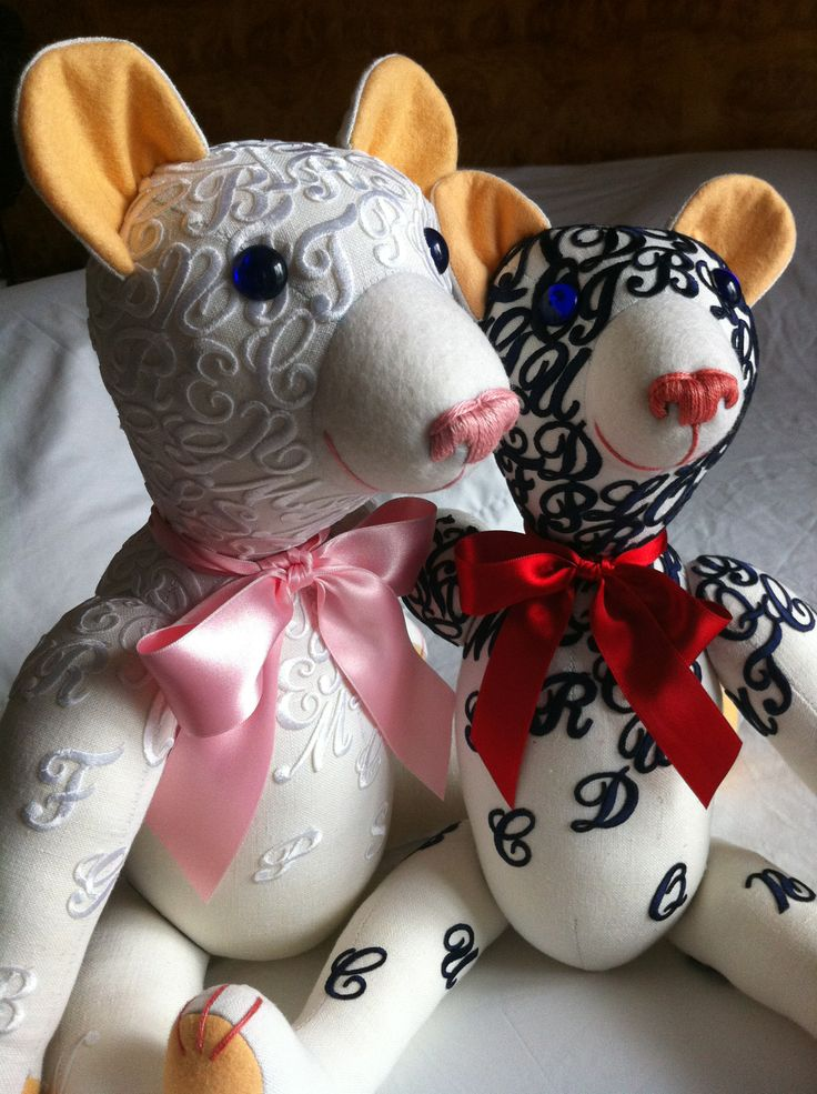 Jaume I and Jaume II, 2 delicious Teddy Bears made by GSBears as a tribute to the international artist Jaume Plensa.