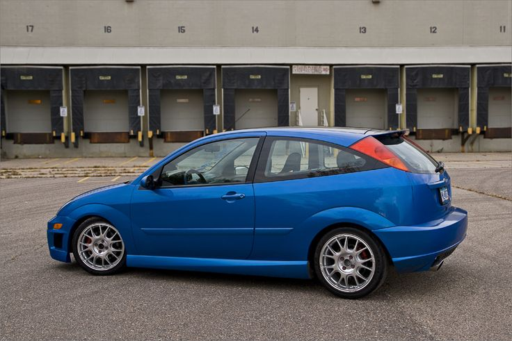 blue ford focus mk1 low  big rims  usa version