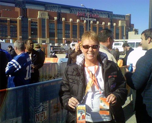 $10,000 Marcia won a trip to the Super Bowl from Chunky Soup that included round trip airfare, 4 nights hotel, ground transportation to and from airport, to and from game, pre-game party AND tickets to the Super Bowl.  The approximate value they said is $10,000.00.Round Trips, Pregame Parties, Chunky Soup, Include Round, Ground Transportation, Super Bowls, Marcia Won, Games Parties, Night Hotels