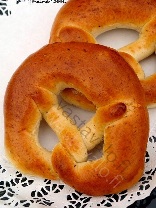 Kahvileipää markkinoilta - markkinarinkeli pulla kahvileipä perinteinen Viipurinrinkeli rinkeli rinkelit leivottu