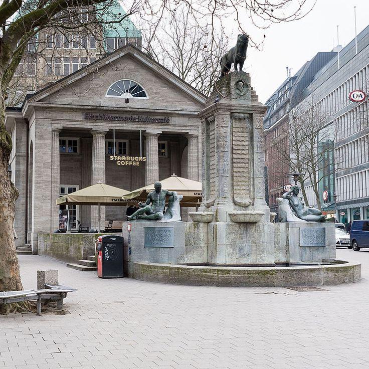 Bücherhalle Barkhof und Mönckebergbrunnen (Hamburg-Altstadt).1.29933.ajb.jpg