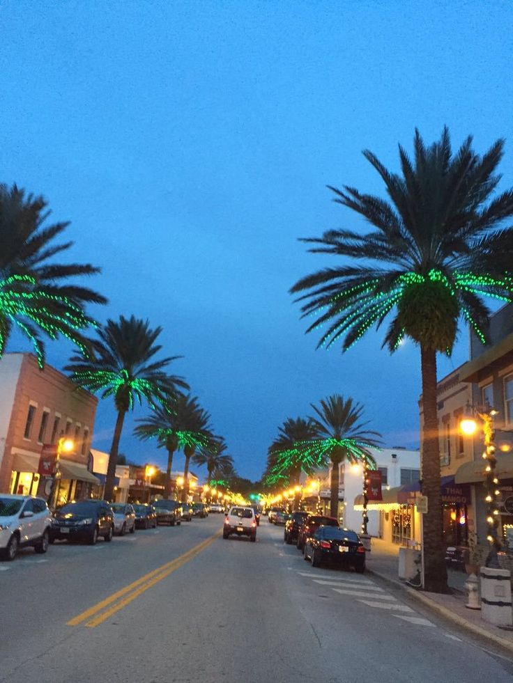 Christmastime on Canal Street in New Smyrna Beach