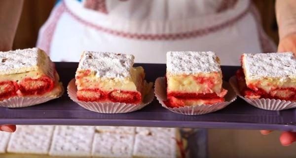 La torta finta diplomatica prevede l'uso di crackers e savoiardi al posto della pasta sfoglia, che invece è impiegata nella ricetta originale. Scopriamo assieme come prepararla!