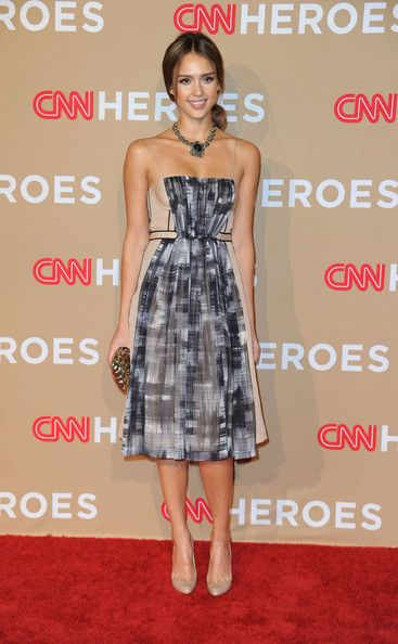 Jessica Alba Photos Photos - Actress Jessica Alba arrives at the 2010 CNN Heroes: An All-Star Tribute held at The Shrine Auditorium on November 20, 2010 in Los Angeles, California. - CNN Heroes: An All-Star Tribute - Arrivals