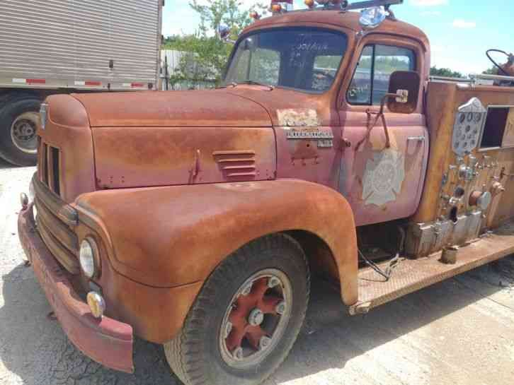 Classic International Firetruck perfect item for a collector as it sits or to be restored to its former glory. Please feel free to message with