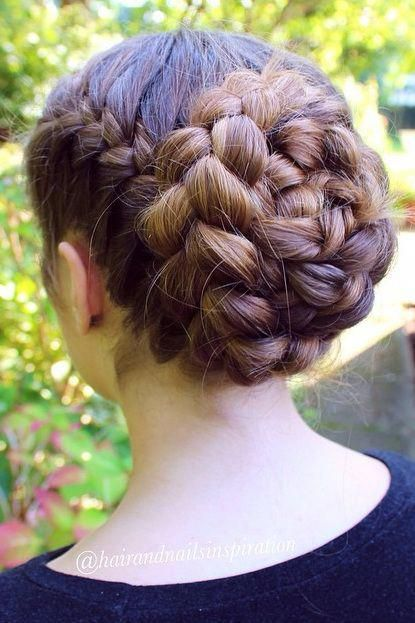 Pretty and Easy Long Hairstyles for School Girls: braid long hairstyles; brown long hairstyles; elegant long hairstyles; flapper long hairstyles; #hai
