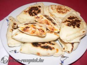Pupusas házi töltelékkel recept fotó