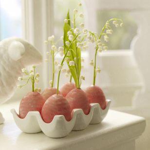 Ostern: Maiglöckchen im Ei