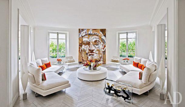 室内设计师佛罗伦萨Pucci的有意大利的根,在法国工作,很喜欢俄罗斯艺术。在这里,她对拍照背景图片瓦列里Koshlyakov。