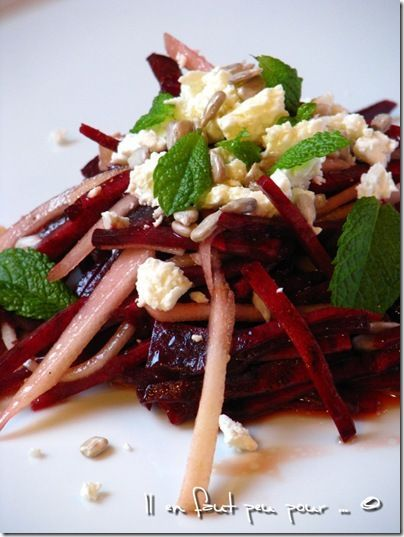 Salade de betterave crue/feta/poire-Jamie Oliver chez Il en faut peu pour