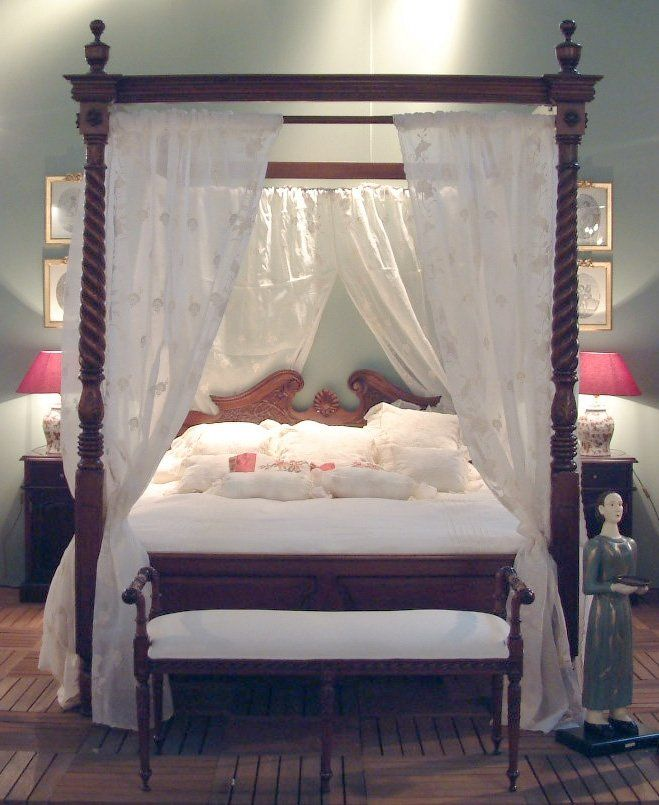 This is what I've always pictured when envisioning a Victorian bed. It needs a different headboard, though.