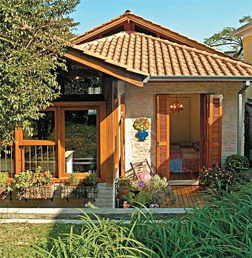 บ้านร่วมสมัยชั้นเดียว สร้างด้วยอิฐหลังคามุงกระเบื้อง นำเสนอศิลปะที่เป็นเอกลักษณ์ | NaiBann.com