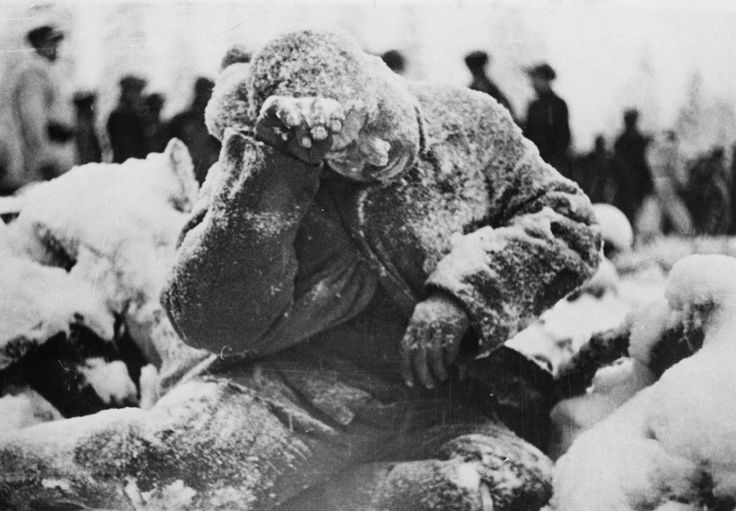 The winter of 1939-1940 in Finland was exceptionally cold. In January, temperatures dropped below -40°. Frostbite was a constant threat, and the corpses of soldiers killed in battle froze solid. This January 31, 1940 photo shows a frozen dead Russian soldier, his face, hands and clothing covered with a dusting of snow. After 105 days, the Finns and Russians signed a peace treaty, allowing Finland to retain sovereignty, while it ceded 11% of its territory to the Soviets.