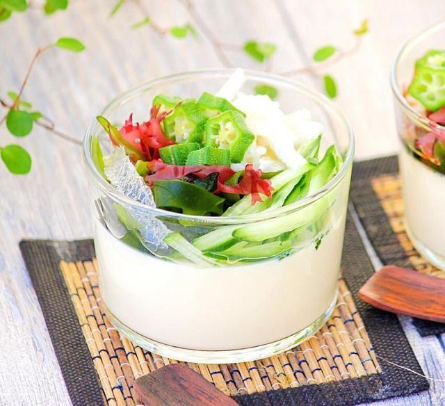 ジメジメ季節の臭活レシピ「手作り豆腐のネバネバサラダ」 | フード | tomoni(ともに) | 家族の暮らしを楽しむメディア